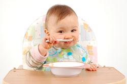 Kind essend